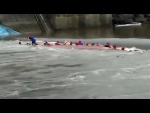 Seventeen drown in Dragon Boat accident in China