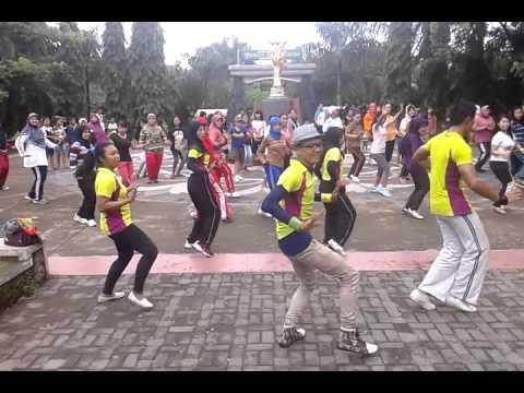 Indonesia bailando