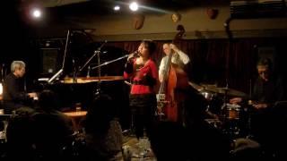 12/24/2015 at Dolphy in YOKOHAMA 佐藤允彦(p)トリオ 、加藤真一(b) 、...