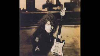 In The Healing Garden - Vinnie Moore - The Maze