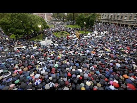 Thousands of Argentines Protest Prosecutor's Death