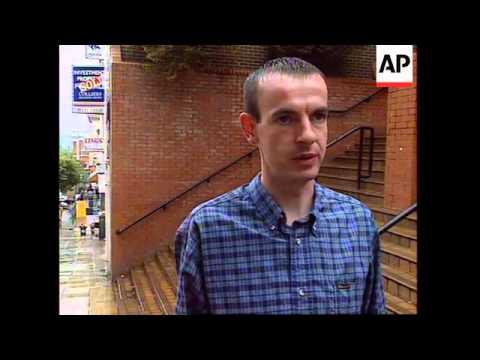 NORTHERN IRELAND: LONDONDERRY: PRO BRITISH PARADE TURNS VIOLENT
