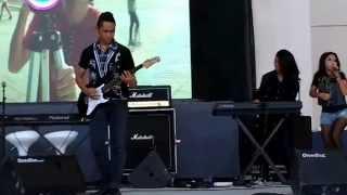 bella perform 2 loop kepo surabaya town square 26 oktober 2014