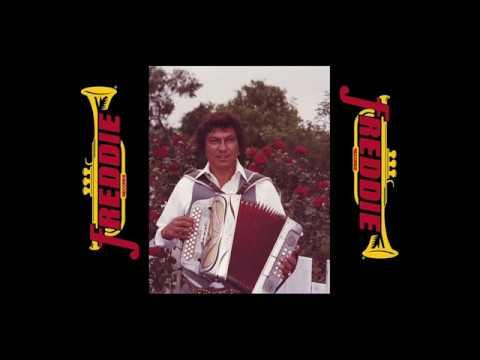 GILBERTO PEREZ - UN SIGLO DE AMOR (1982 ORIGINAL SONG)