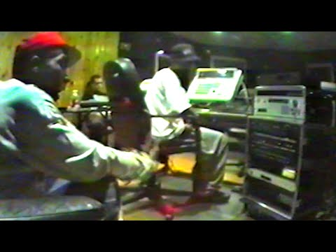 Rare footage of Big L, 1995, 1998, with Kid Capri, Ron Browz, Big Pun, Charlie Hustle