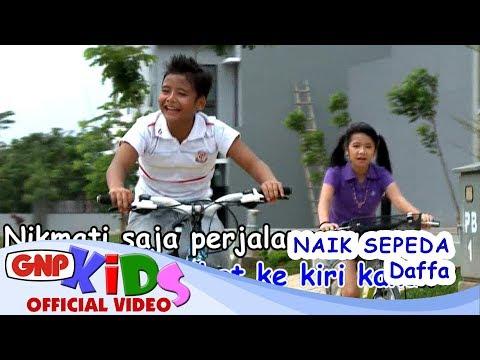 Naik Sepeda - Daffa