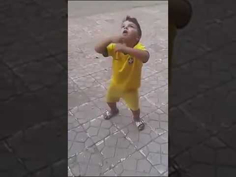 طفل جزائري روعة في الرقص thumbnail