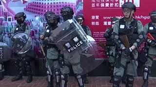 香港反送中示威第22个周末 警察发射多枚催泪弹