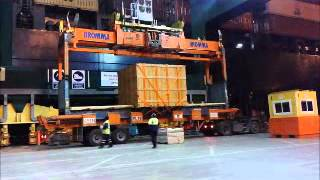 Oversize flat rack container loading on board container vessel (3)