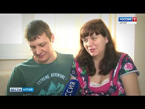 В роддомах Алтайского края всё чаще практикуют партнёрские роды