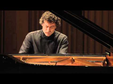 Paul Lewis‐Schubert:Klavierstücke in E flat Major D946 no.2