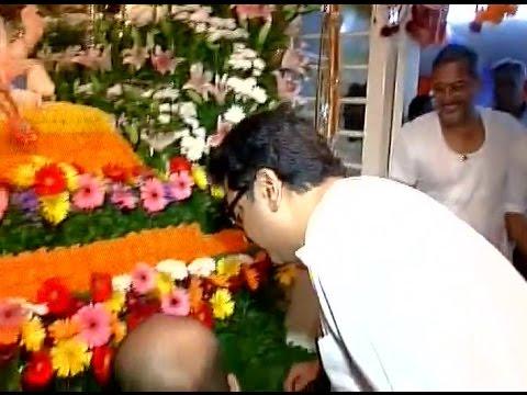 Raj Thackeray Visit to Nana Patekar House Ganapati