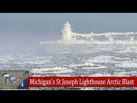 Incredible Lake Effect Snow in Michigan's St Joseph Lighthouse Frozen - Snow Storm 2014