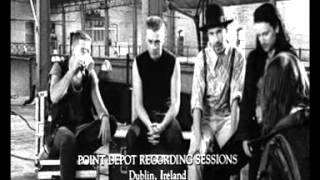 Gambar cover U2 'Helter Skelter / Van Diemen's Land / Desire' (Rattle And Hum)