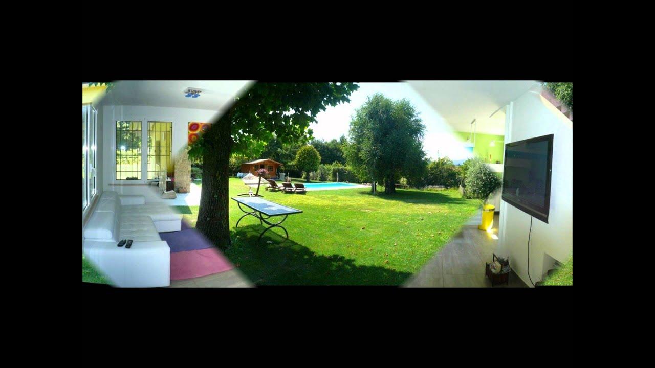 Villa con giardino e piscina privata a manerba del garda for Case in stile meridionale con avvolgente portico