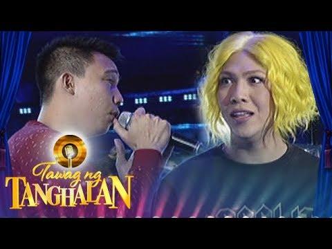 Tawag ng Tanghalan: One of the madlang people serenades Vice Ganda