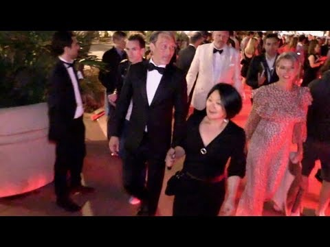 EXCLUSIVE : Mads Mikkelsen walking down the Croisette in Cannes