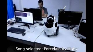 Qbo robot. Another application using Computer Vision