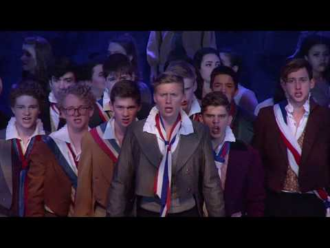 Les Miserables Live- Do You Hear the People Sing