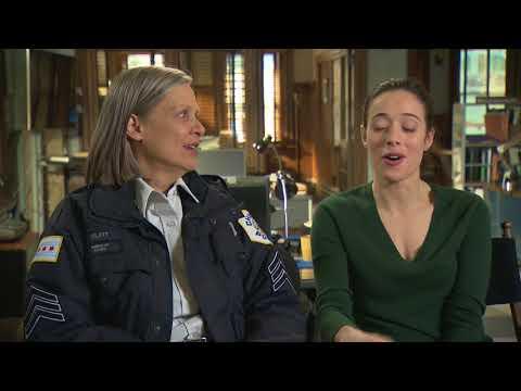 Chicago P.D.  Profiles 100th episode   AMY MORTON & MARINA SQUERCIATI  Social.XYZ