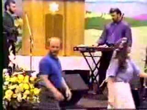 Rabbi Bruce Cohen keyboard riffs
