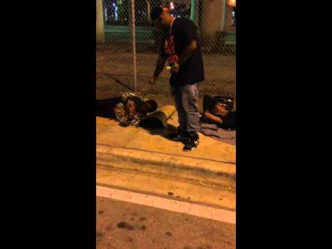 NINO BROWN GIVES BACK TO HOMELESS IN MIAMI