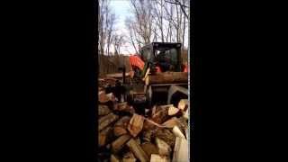 Log splitting with Kubota SV90