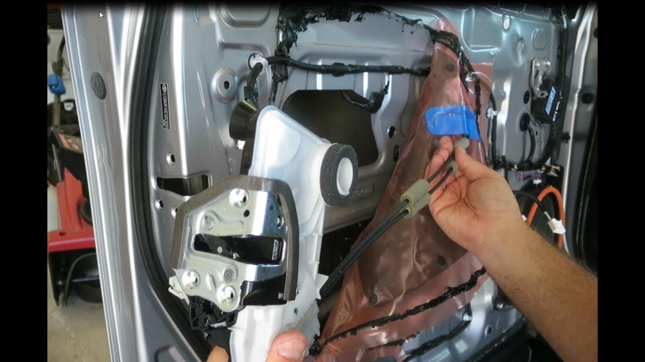 2014 17 Toyota Highlander Door Actuator Replacement Youtube