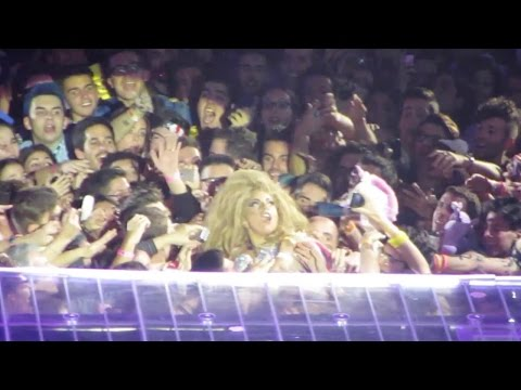 Lady Gaga #artRAVEBarcelona - Palau Sant Jordi 08/11/2014