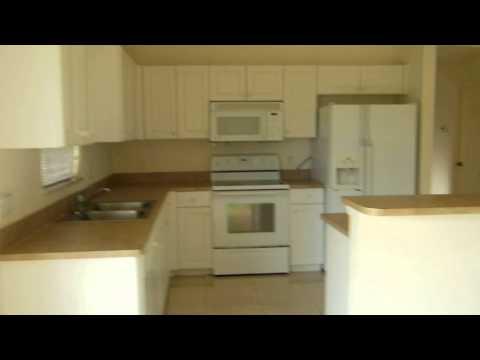 Casa De Renta 3 Cuartos 2 Banos 2 Garages  $950 Mensual