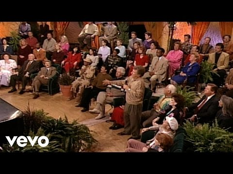 Bill & Gloria Gaither - He Looked Beyond My Faults (Live)