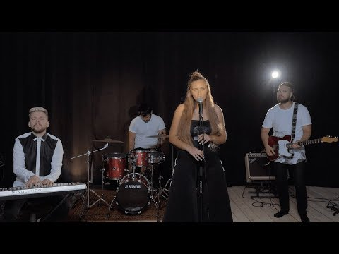 KERRIA - Leave A Light On (Tom Walker cover)