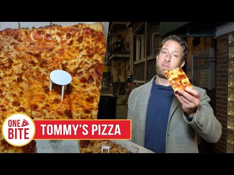 Barstool Pizza Review - Tommy's Pizza (Providence, RI)