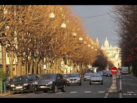 Places to see in ( Paris - France ) Avenue Montaigne