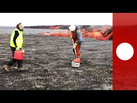 Watch: Scientist boil water with glowing lava creeping from Icelandic Bardarbunga volcano
