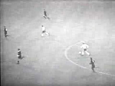 Bobby Charlton-Great Strike