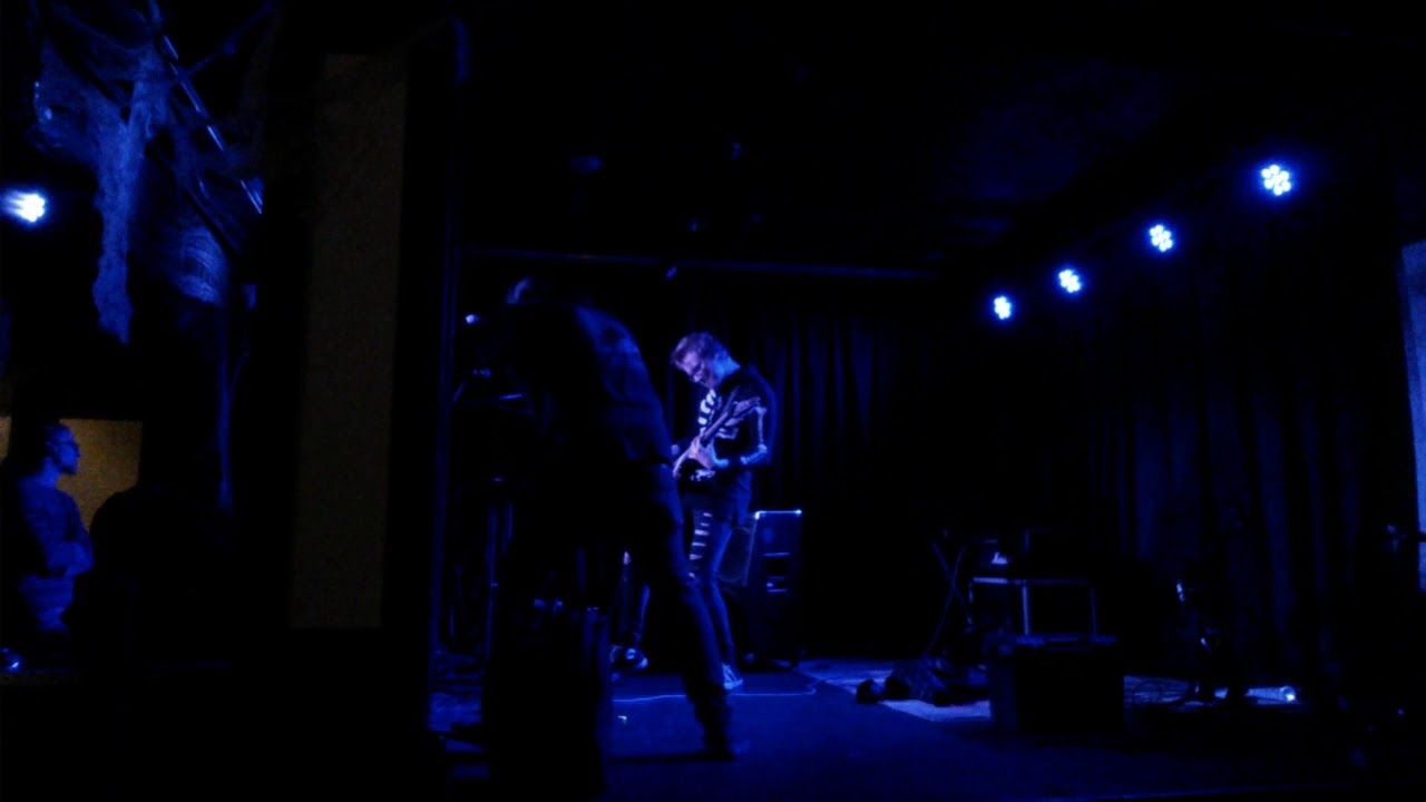 2. The Perfect Drug (Nine Inch Nails Cover) Live @ Brixx Halloween ...