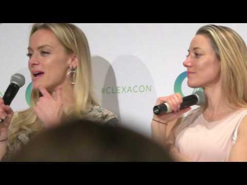 Lost Girl reunion (FULL HD PART 2) ClexaCon 2017. Zoie Palmer, Rachel Skarsten, Emily Andras.