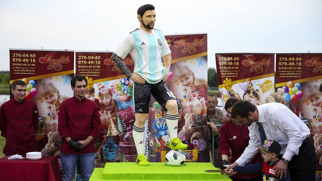 Russians Make Giant Messi Cake To Mark Stars 31st Birthday