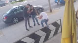 CCTV captures a fight being stopped by pizza   😂🍕