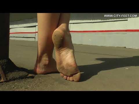 City-Feet.com - A barefoot trip - Valeria [2]
