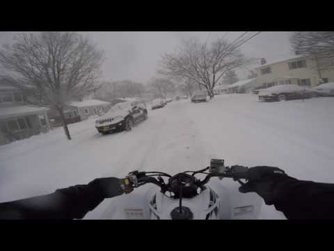 RIDING IN THE SNOW WITH THE NEW QUAD!
