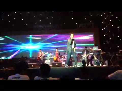In hurricane rhythm - My empty heart (Live from istora senayan 11/5/13)