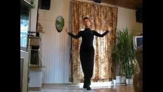 Лейдис стайл комбинация с елементи на фламенко.