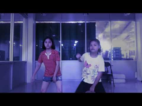 เต้นเพลง dot'let me down ของnainaกับranz