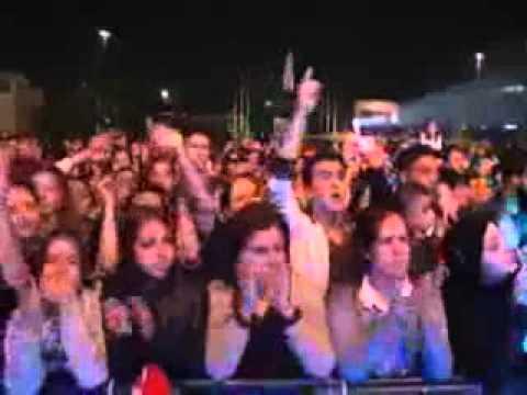 Serdar Ortaç Konserinde Ahmet Kaya...