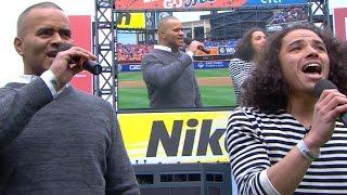 PHI@NYM: Hamilton stars Ramos, Jackson perform anthem