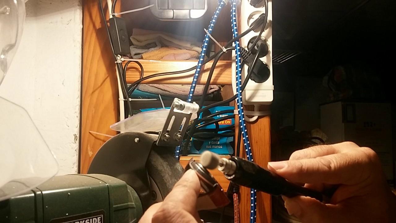 8fbe22064 Como quitar los arañazos y pulir Ia caja de un reloj - YouTube