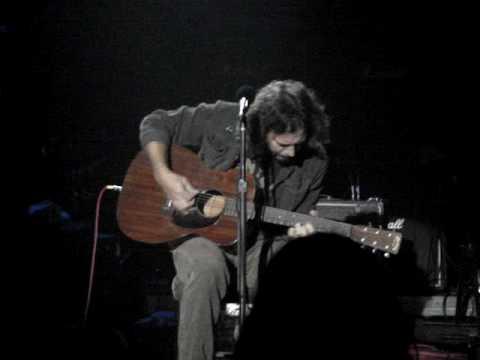"Hullabaloo: Eddie Vedder solo acoustic ""I Am Mine"""