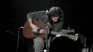 "Hullabaloo: Eddie Vedder solo acoustic ""I Am Mine"""